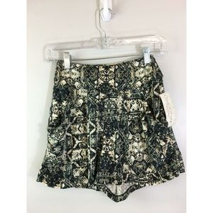 Women's French Laundry Shorts Small Multicolor